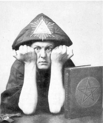 O Aλιστερ Κραουνλυ. Ιδρυτής της Χρυσής Αυγής