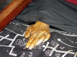 Aγιος Αλέξανδρος Σβιρ, χέρι